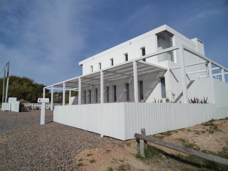 Foto Casa en Venta | Alquiler temporario en  José Ignacio ,  Maldonado  Pool House