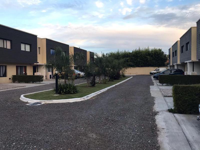 Foto PH en Venta en  Ezeiza ,  G.B.A. Zona Sur  San Juan 527 duplex: 12