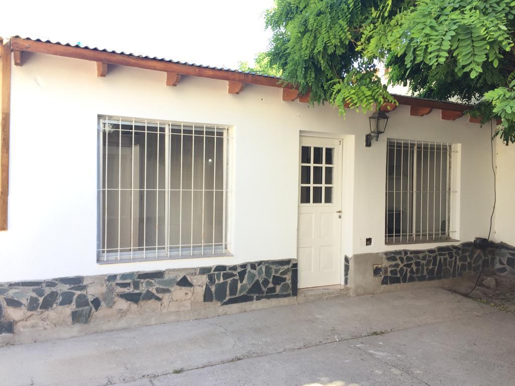 Foto Casa en Alquiler en  Capital ,  Neuquen  Picun Leufu al 300