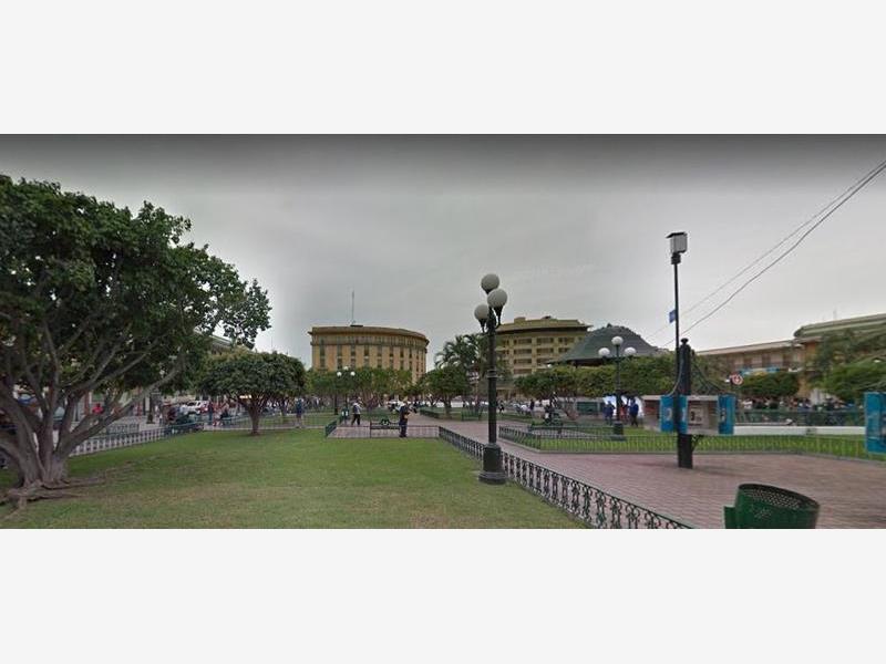Foto Local en Renta en  Tampico Centro,  Tampico  Local frente a la plaza
