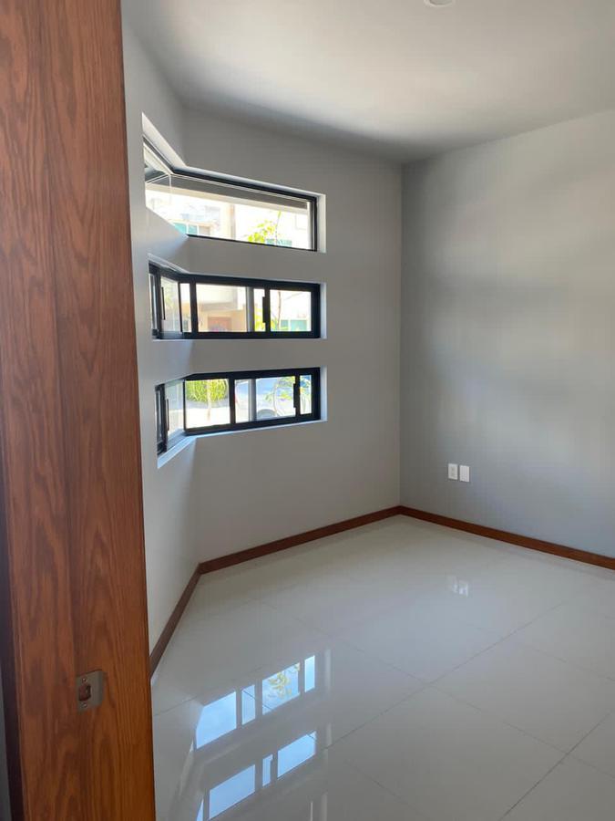 Foto Casa en Venta en  Fraccionamiento Los Almendros,  Zapopan  Av Rio Blanco 1676 281