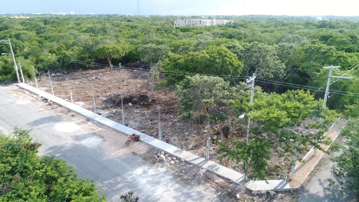 Foto Terreno en Venta en  Temozon Norte,  Mérida  ultimos terrenos urbanizado en temozon norte , con servicios, al norte de mérida