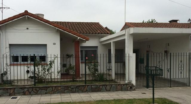 Foto Casa en Venta en  Banfield Oeste,  Banfield  MAYOR OLIVERO 1228, e/Palacios y Siciliani