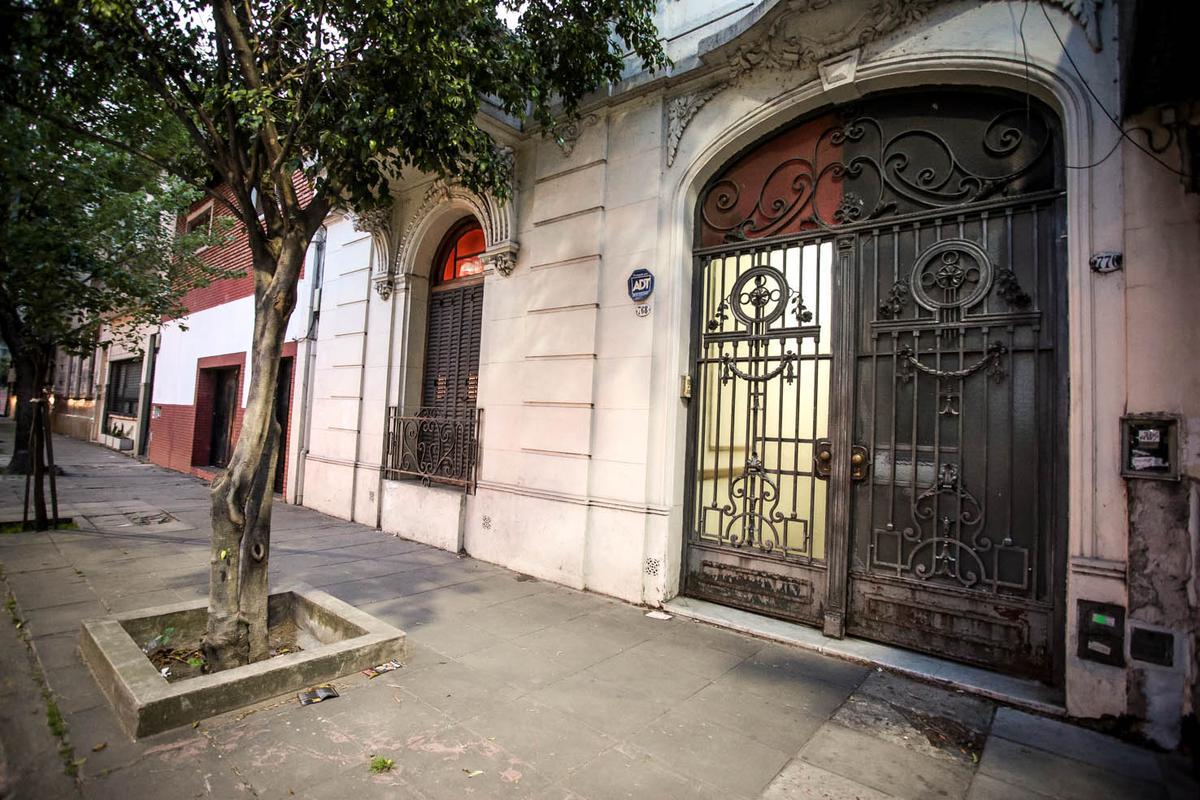 Foto PH en Venta en  Villa Crespo ,  Capital Federal  SERRANO al 700
