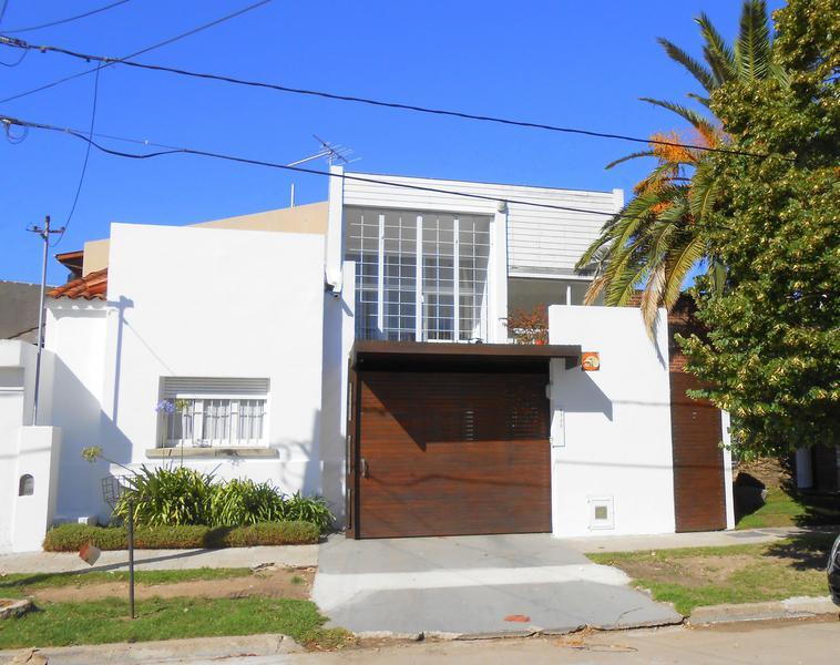 Foto Casa en Venta en  Pinos De Anchorena,  Mar Del Plata  Saavedra entre Don Bosco y Neuquen