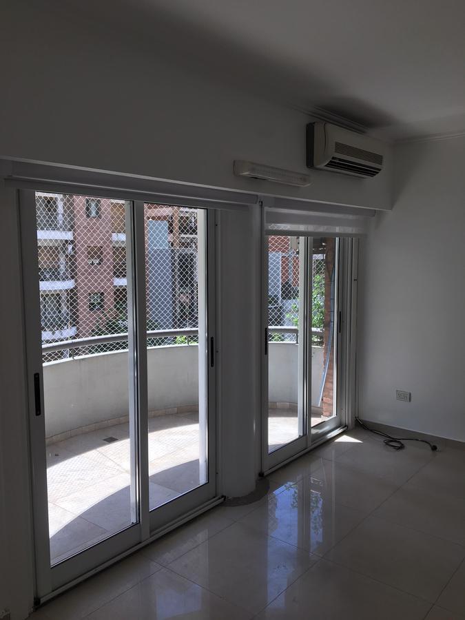 Foto Departamento en Venta en  Lomas de Zamora Oeste,  Lomas De Zamora  Italia al 300