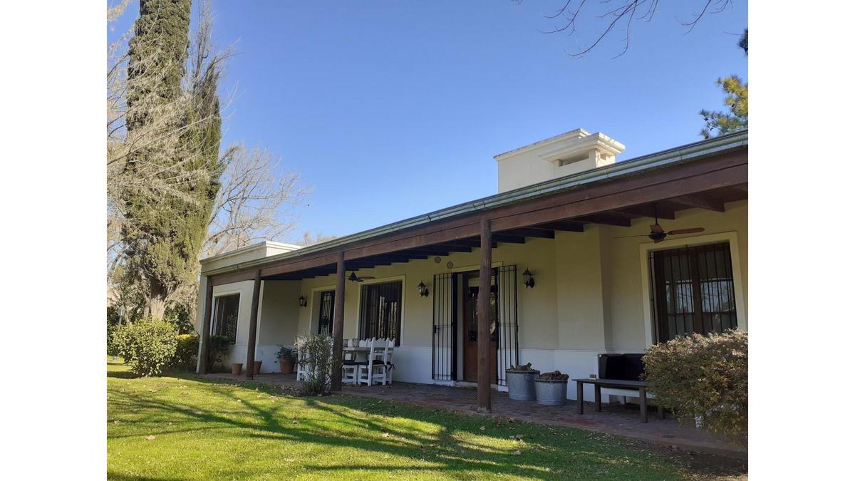 Foto Casa en Venta en  Funes ,  Santa Fe  Funes - Casa de 3 dormitorios