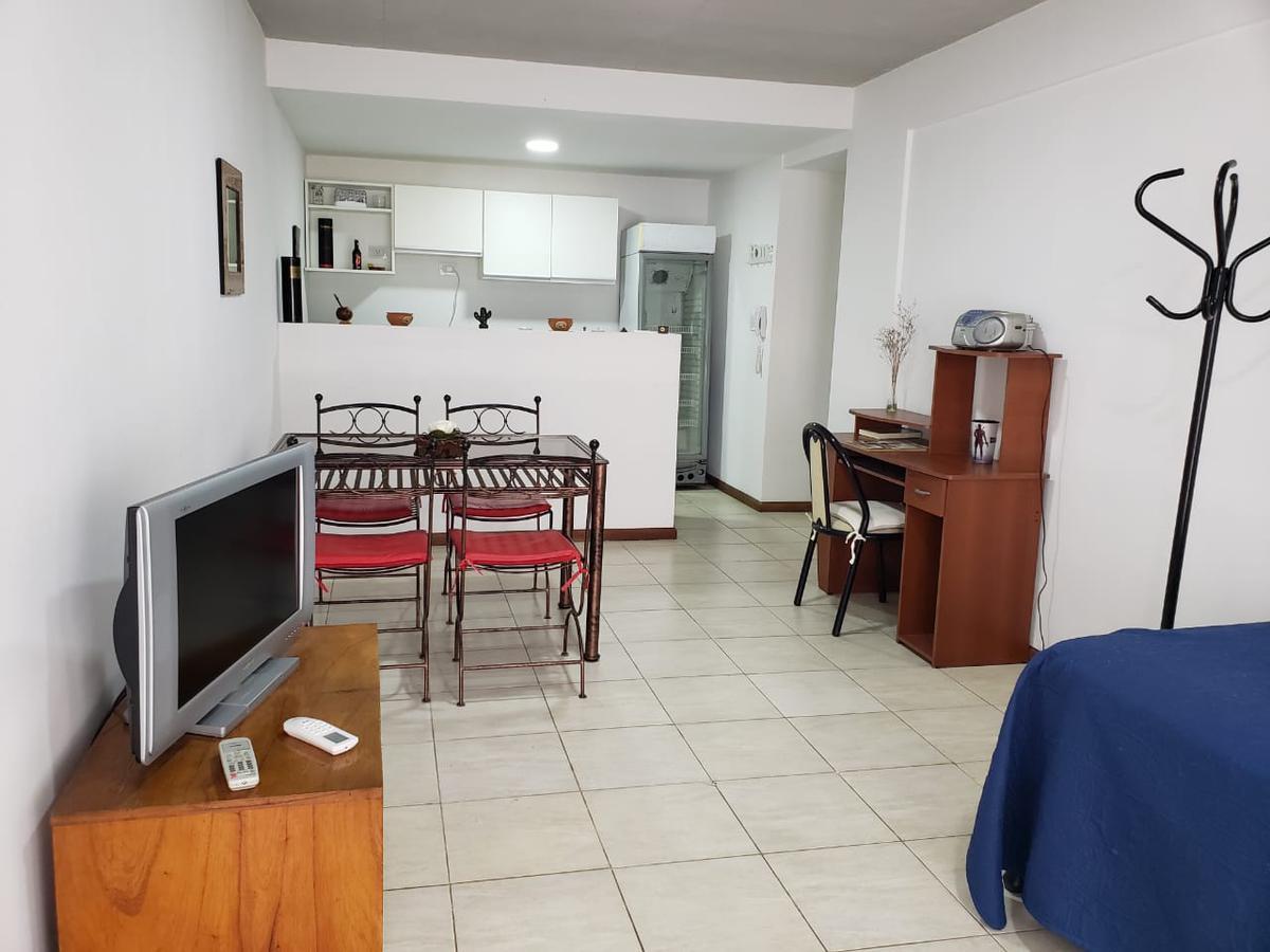 Foto Departamento en Venta en  Rep.De La Sexta,  Rosario  Ayacucho al 2200