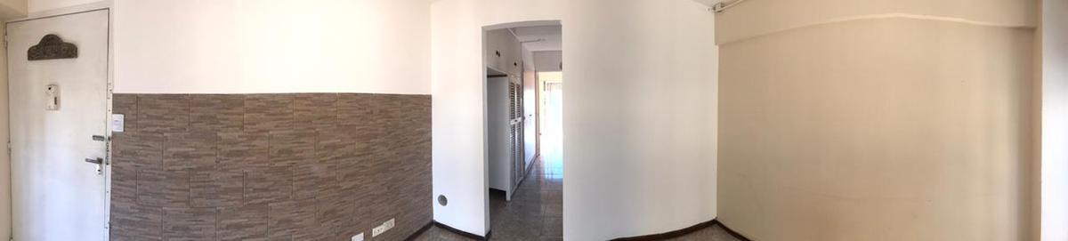 Foto Departamento en Alquiler en  Lomas de Zamora Oeste,  Lomas De Zamora  Alem al 334 6ºC