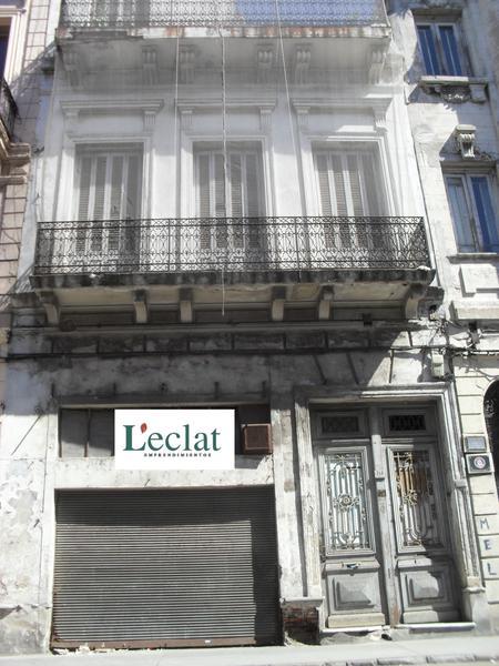 Foto Casa en Venta en  Ciudad Vieja ,  Montevideo  Edificio de época más local comercial