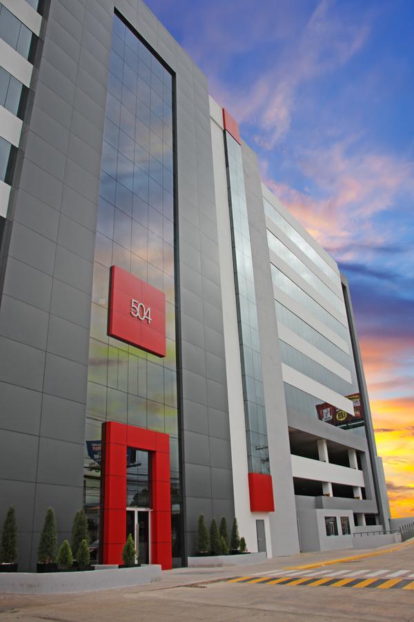 Foto Oficina en Venta en  Boulevard Suyapa,  Tegucigalpa  Medio Piso en Suyapa 504 Edificio de oficinas en Venta, Tegucigalpa