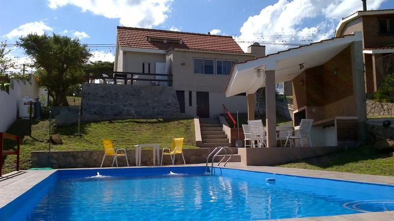 Foto Casa en Venta en  Parque Siquiman,  Punilla  san martin al 200