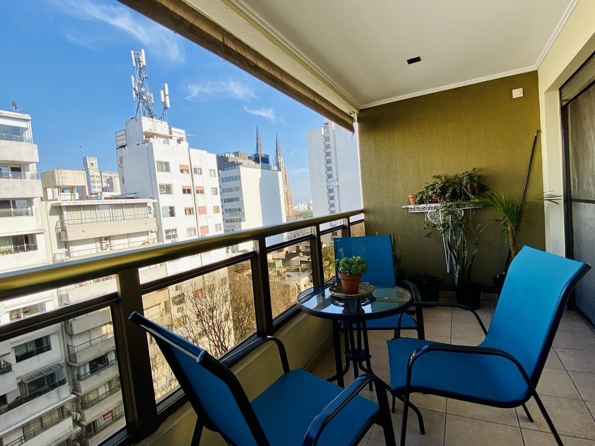 Foto Departamento en Venta en  La Plata,  La Plata  13 55 y 56