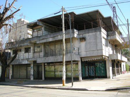 Foto Local en Alquiler | Venta en  Esc.-Centro,  Belen De Escobar  Travi e Hipólito Irigoyen