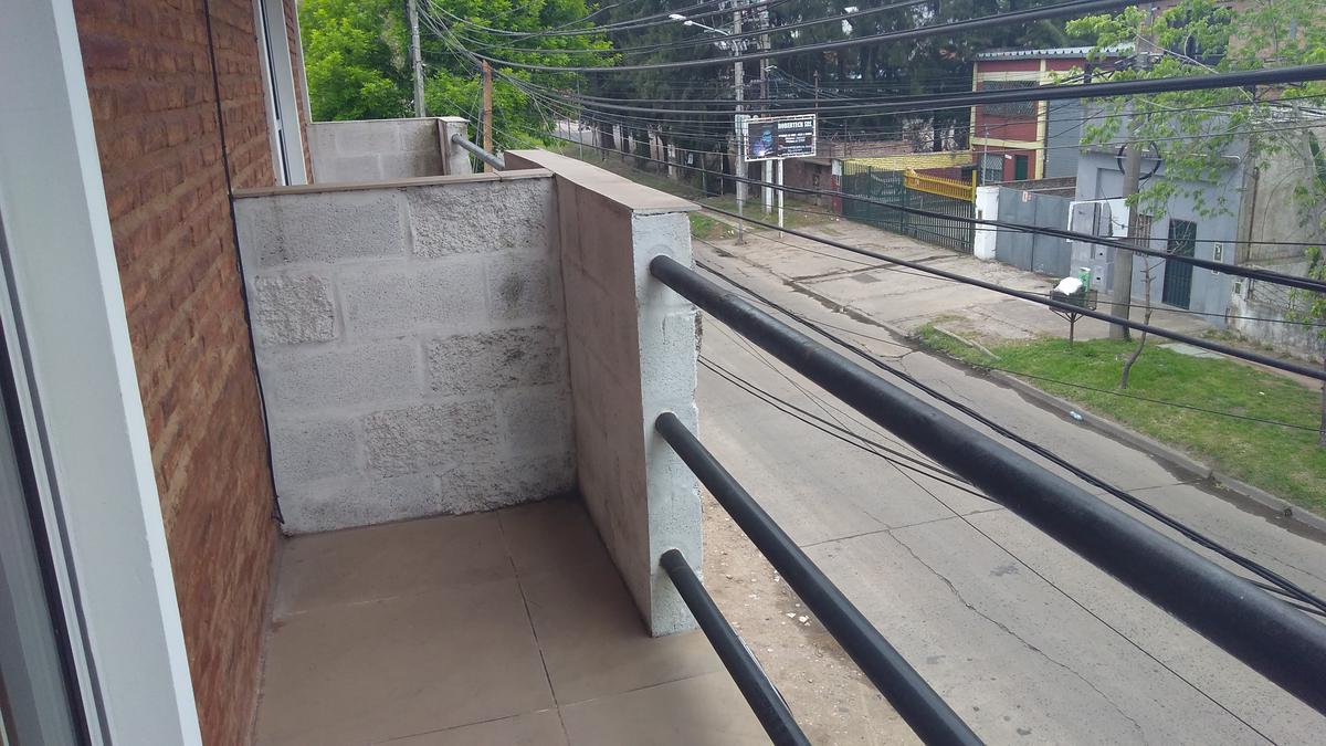 Foto Local en Venta en  Ricardo Rojas,  Tigre  marcos sastre al 2400