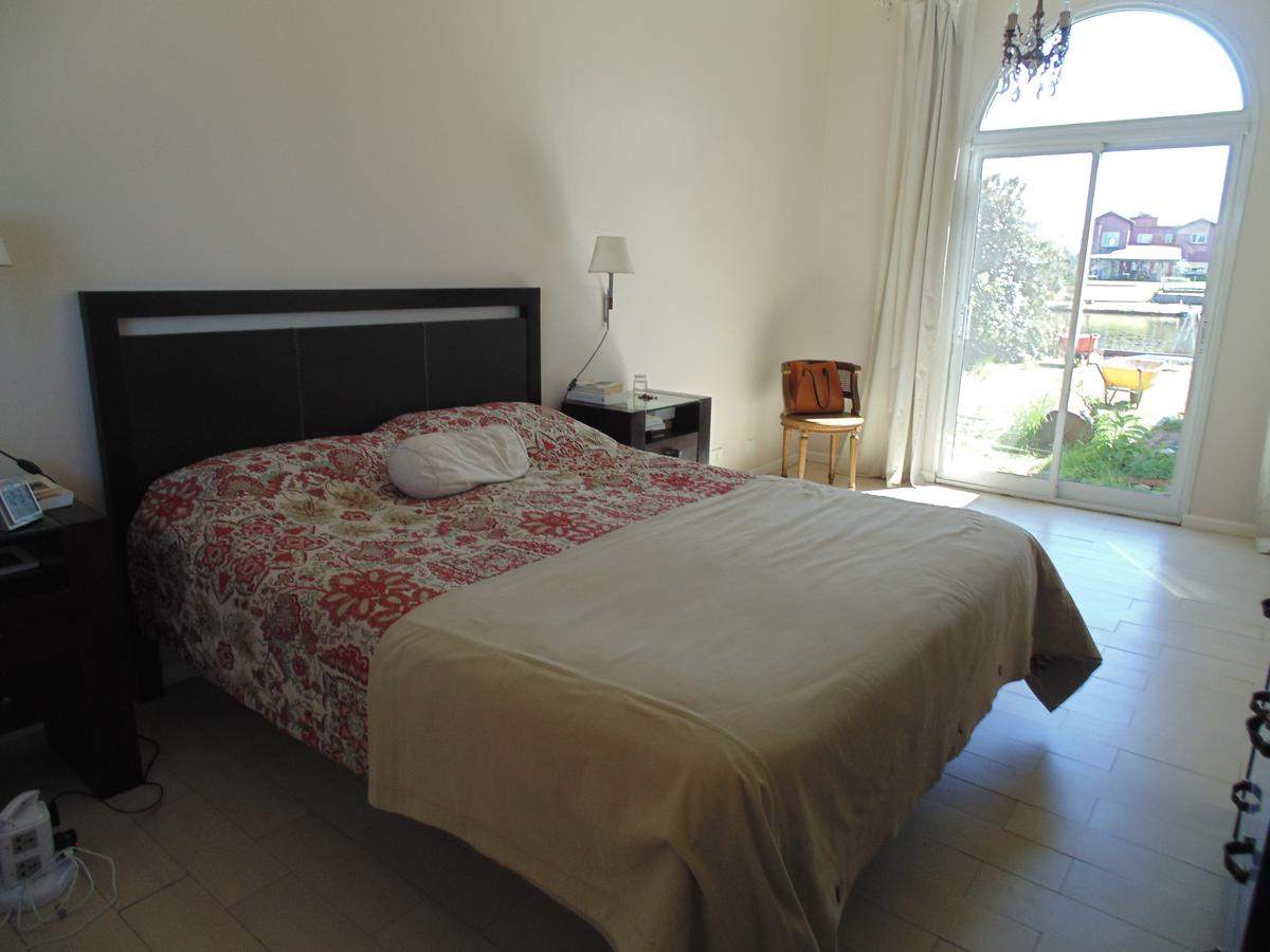 Foto Casa en Alquiler | Alquiler temporario en  San Benito,  Villanueva  Av. Dean Funes s/n