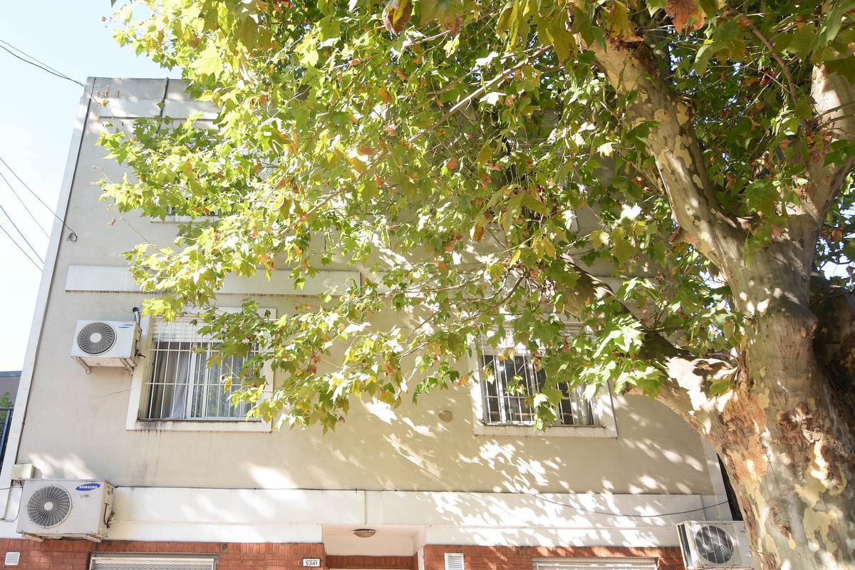 Foto PH en Venta en  Villa Pueyrredon ,  Capital Federal  Caracas al 5300
