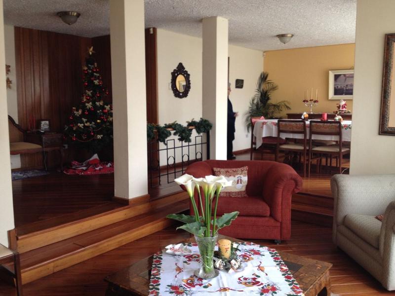 Foto Oficina en Venta en  Centro Norte,  Quito  CASA Y DEPARTAMENTO DE VENTA EN COLEGIO SAN GABRIEL , 390 MTS  $367.00