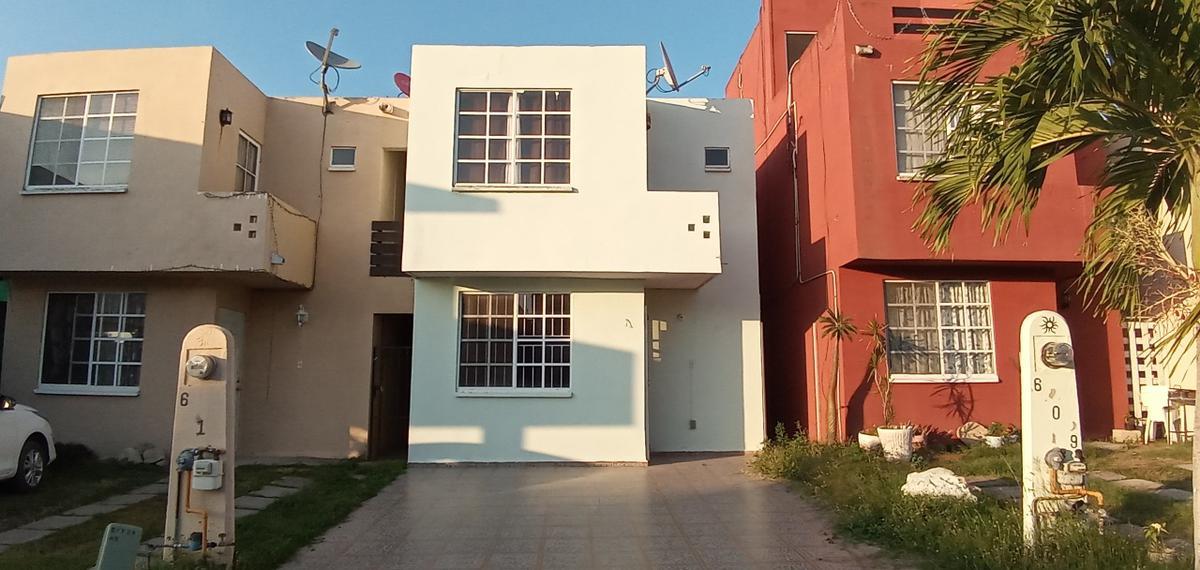 Foto Casa en Venta en  Tampico ,  Tamaulipas  Casa ampliada y remodelada en fraccionamiento muy seguro y tranquilo en zona norte de Tampico.
