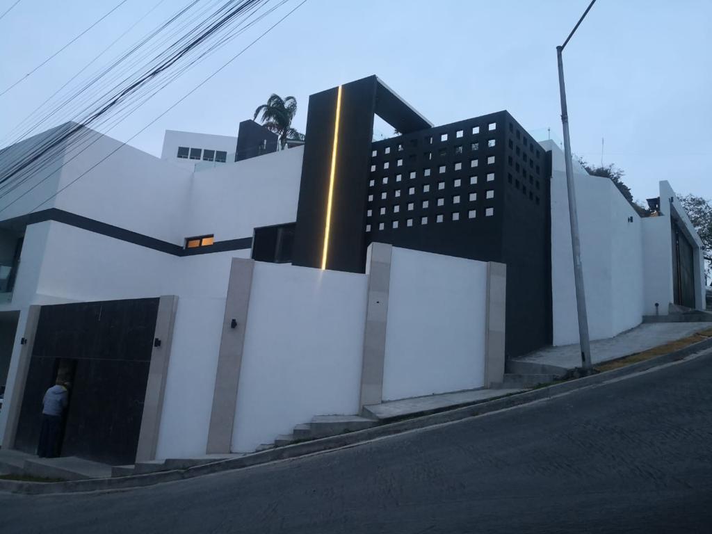 Foto Casa en Venta en  San Jerónimo,  Monterrey  San Jerónimo Sector Cumbres