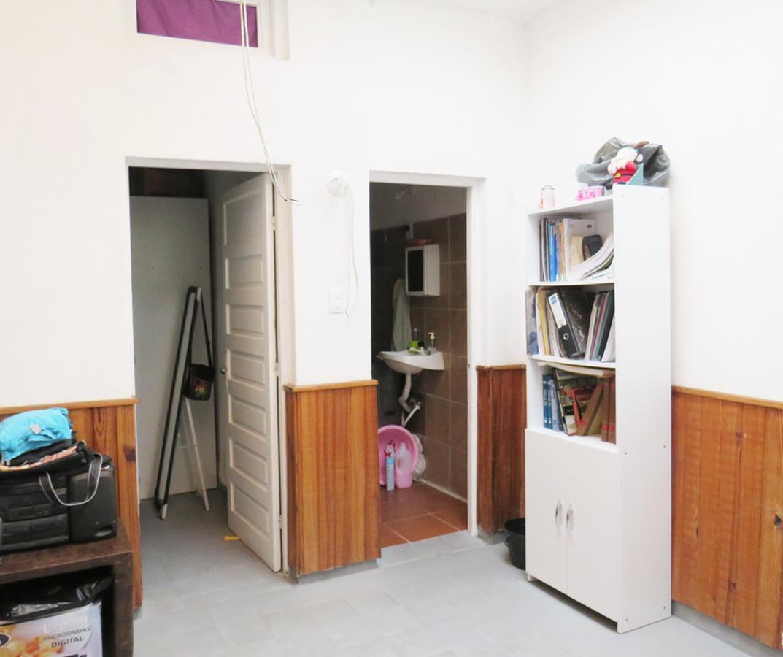 Foto Edificio Comercial en Venta en  La Blanqueada ,  Montevideo  Ayuí  3409