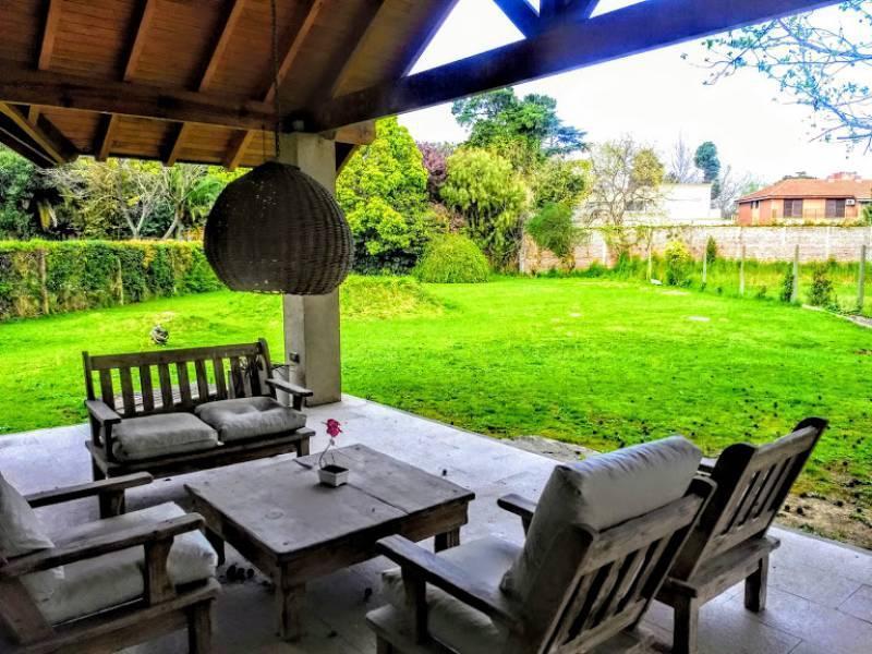 Foto Casa en Venta en  Boulogne,  San Isidro  Santa Rita al 300