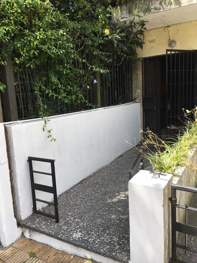 Foto Apartamento en Venta en  Buceo ,  Montevideo  Ramon Anador - 2 dorm - ideal inversión