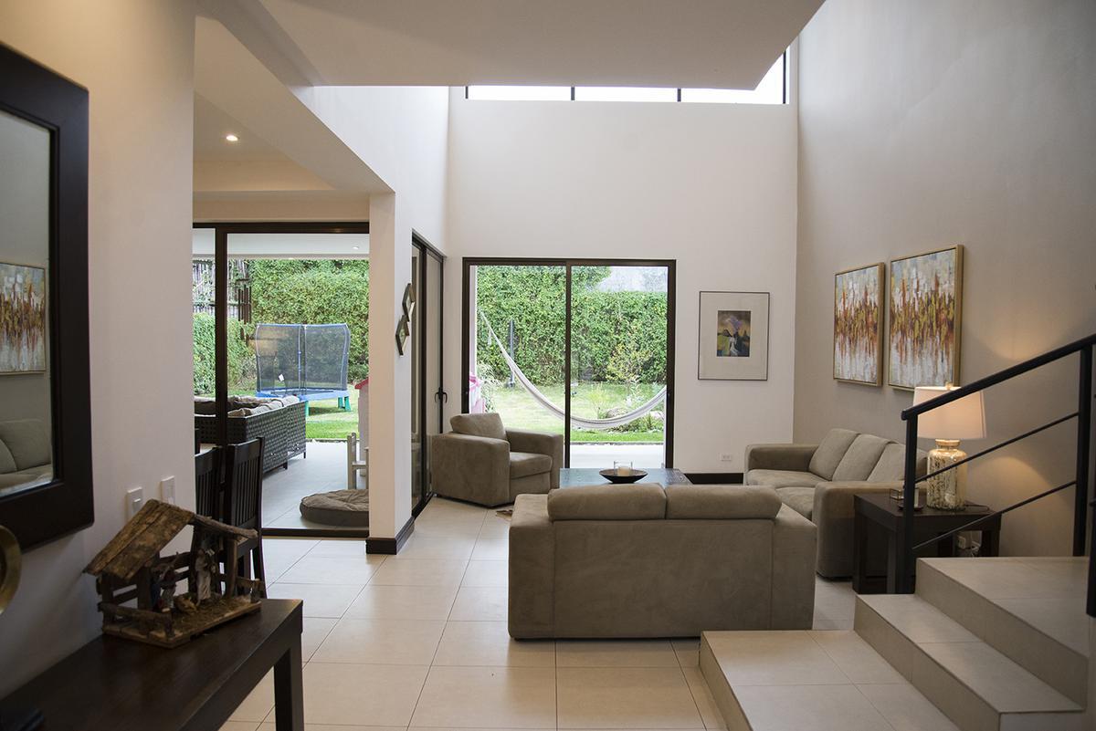 Foto Casa en condominio en Venta en  Santana,  Santa Ana  Santa Ana Centro/ Moderna/ Amplia/ Luz natural/ Casas separadas