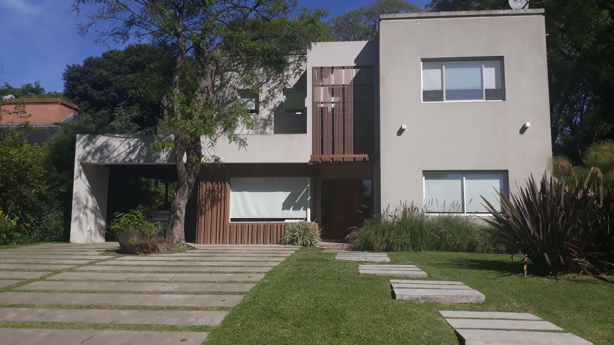 Foto Casa en Venta en  Fincas de Iraola I,  Countries/B.Cerrado  Camino general Belgrano