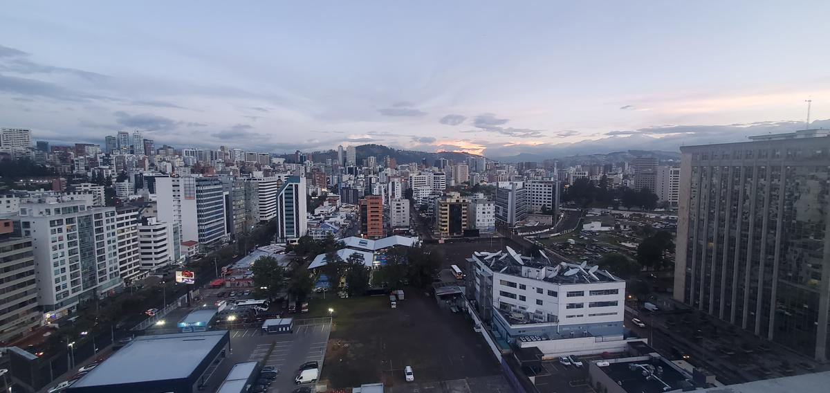 Foto Departamento en Venta en  La Carolina,  Quito  Eloy Alfaro y Mariana de Jesus
