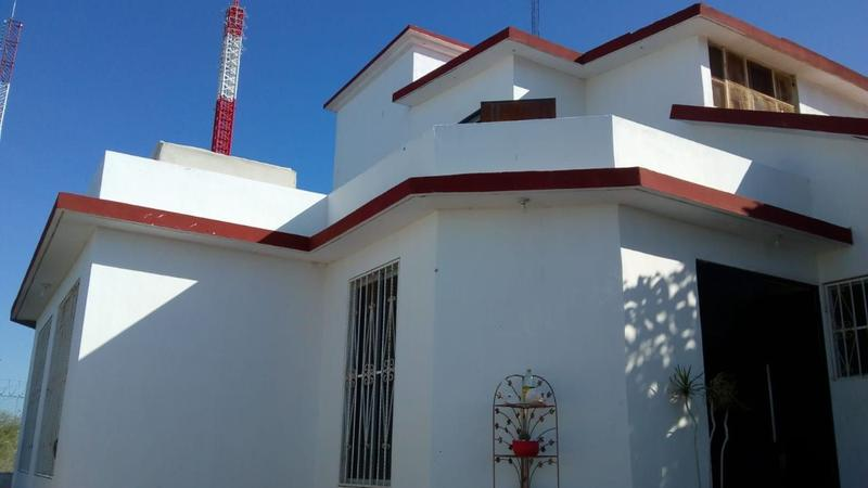 Foto Casa en Venta en  Colina de La Cruz,  La Paz  M. ALBAÑEZ E / VICTORIA Y J. SALVATIERRA