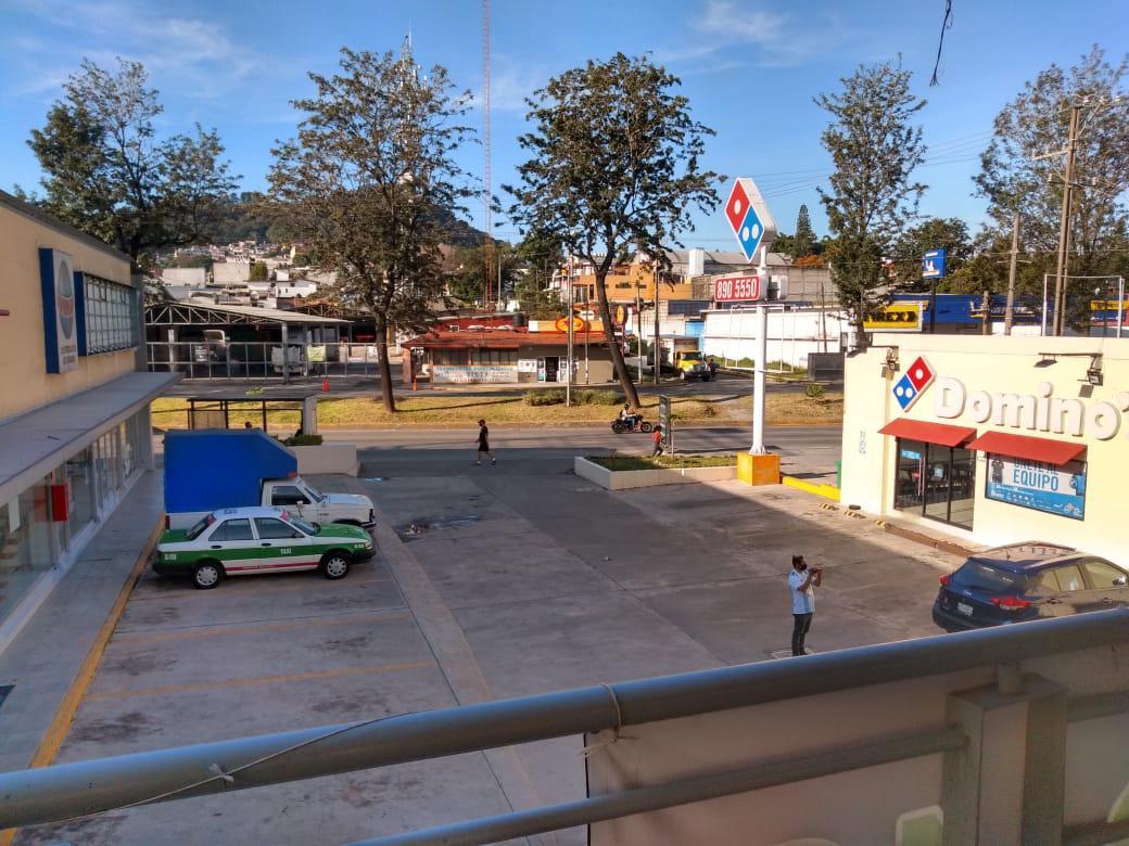 Foto Local en Renta en  Rafael Lucio,  Xalapa  Local comercial en renta en Xalapa Veracruz sobre Av. Lazaro Cardenas dentro de plaza comercial, planta baja y estacionamiento