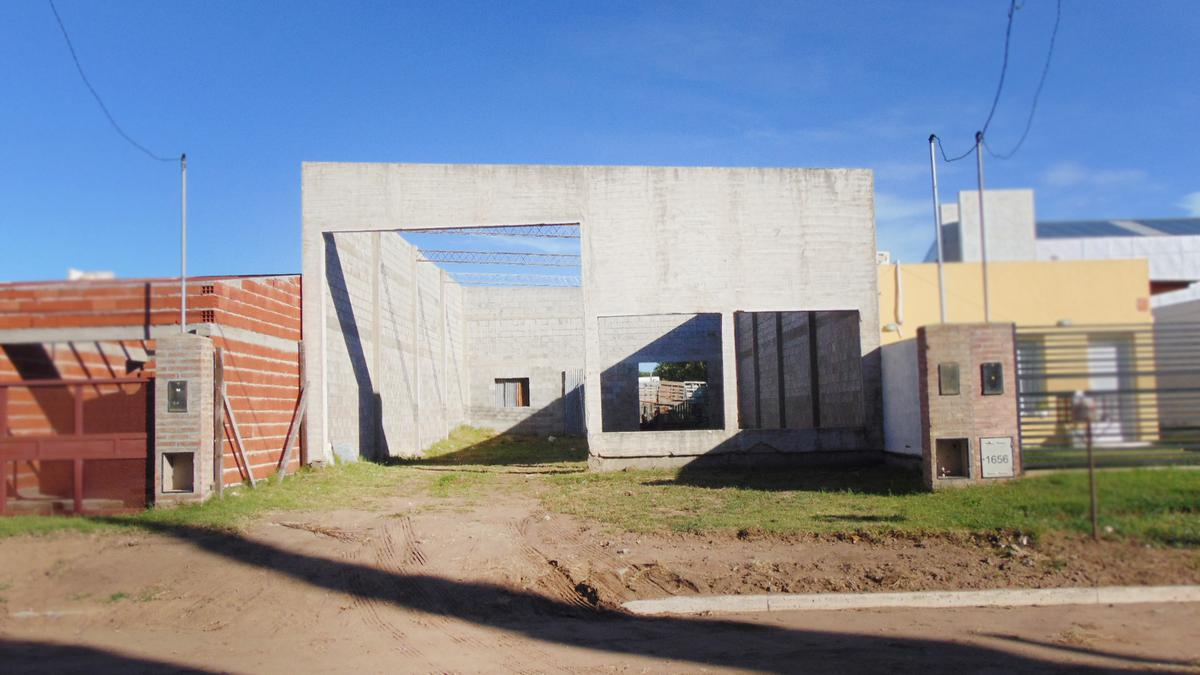 Foto Depósito en Venta en  General Pico,  Maraco  37 e/ 32 y 34