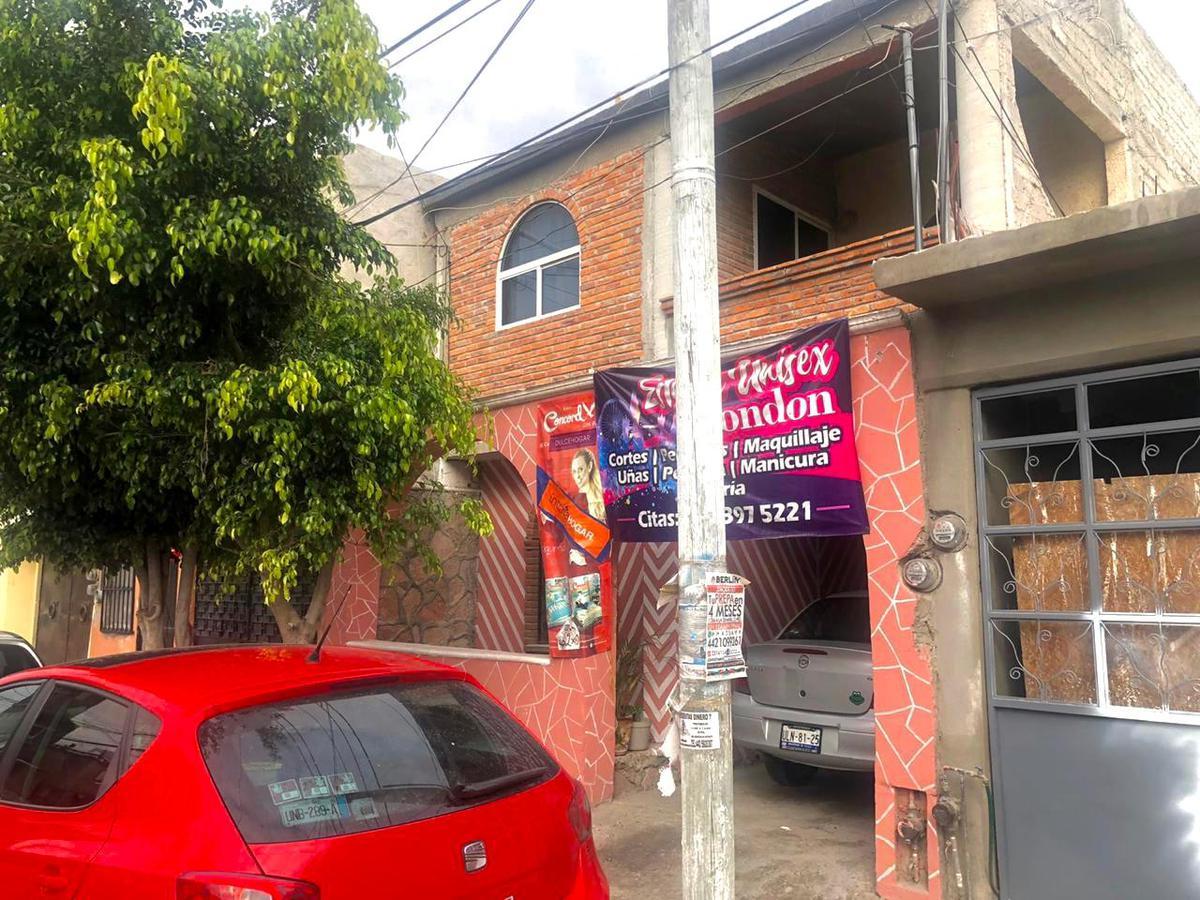 Foto Casa en Venta en  Altos de San Pablo,  Querétaro  CASA EN CALLE LA PAZ ALTOS DE SAN PABLO