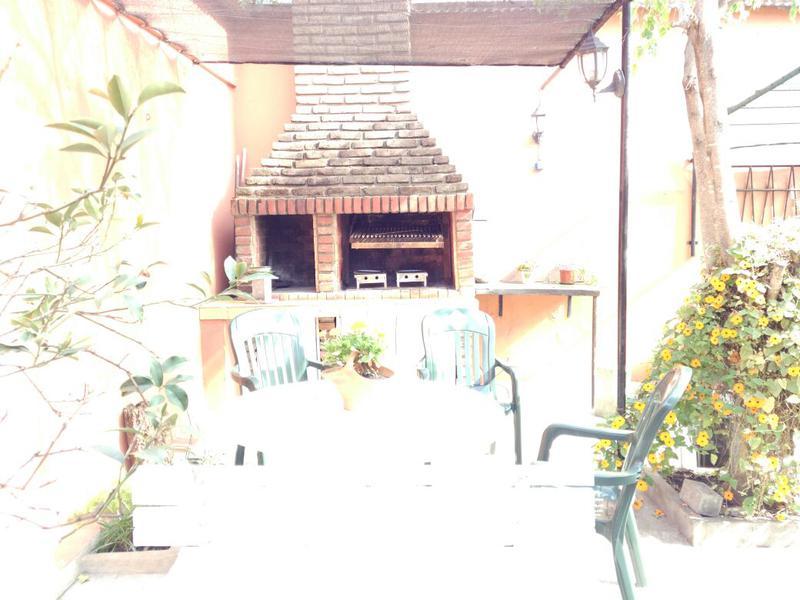 Foto Casa en Venta en  Ituzaingó,  Ituzaingó  Santos Dumont al 400
