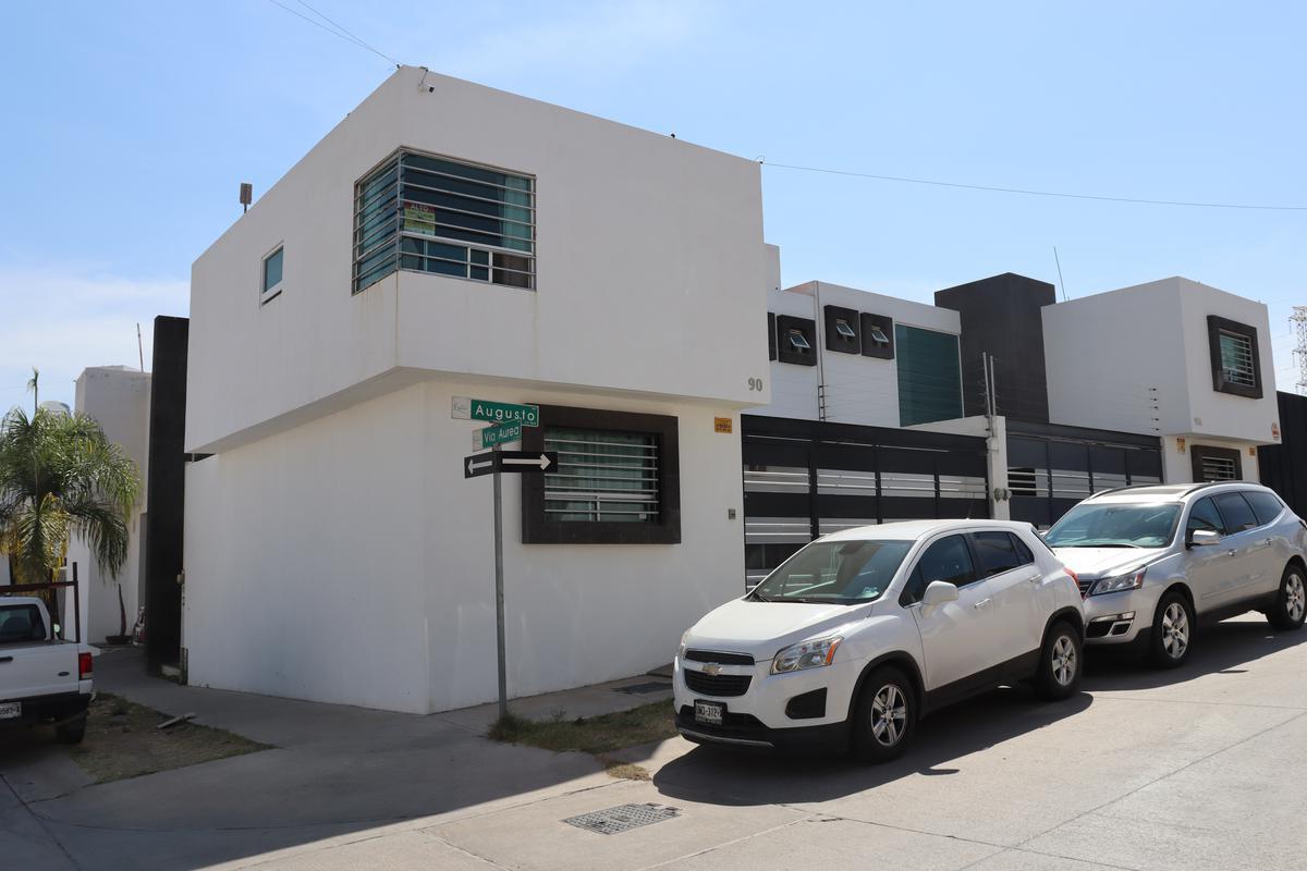 Foto Casa en Venta en  Villa Magna,  San Luis Potosí  Augusto #90 Villa Magna