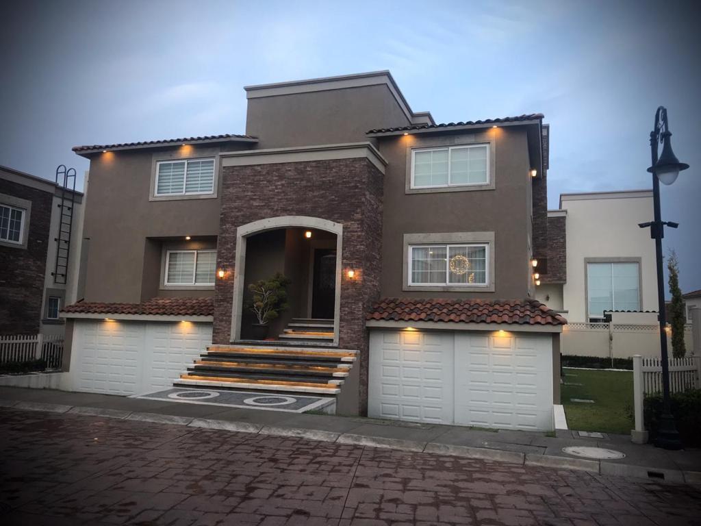 Foto Casa en condominio en Venta en  Llano Grande,  Metepec  Portofino