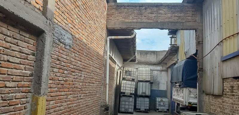 Foto Galpón en Venta en  Wilde,  Avellaneda  Yapeyú al 600