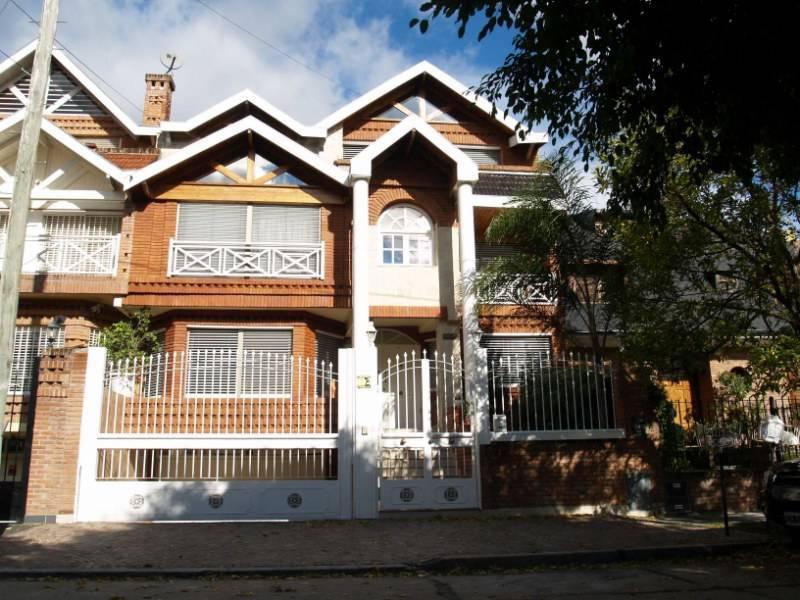 Foto Casa en Alquiler en  Martinez,  San Isidro  Emilio Mitre al 200