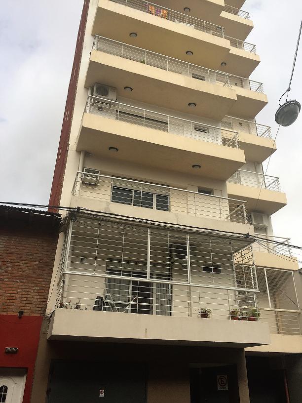 Foto Departamento en Alquiler en  Echesortu,  Rosario  Pje. Gordillo 3633 02-01