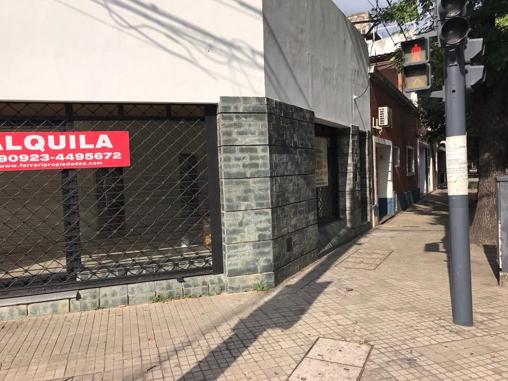 Foto Local en Alquiler en  Echesortu,  Rosario  San Juan 4005