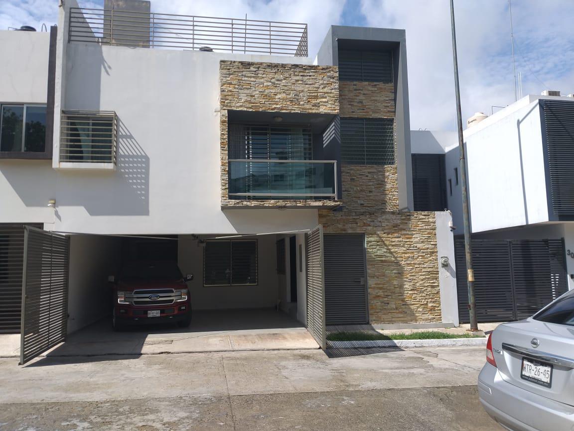 Foto Casa en Renta en  Villahermosa ,  Tabasco  En renta casa amplia, bien ubicada y equipada con aires acondicionados