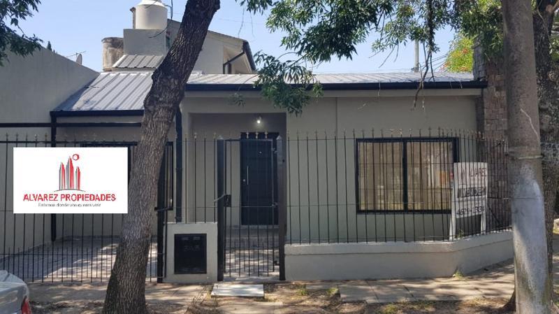 Foto Casa en Venta en  Ituzaingó ,  G.B.A. Zona Oeste  General jose María Piran 1500