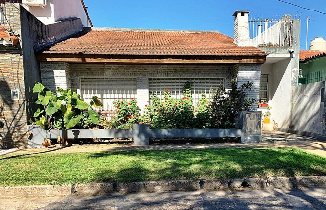 Foto Casa en Venta en  Olivos-Maipu/Uzal,  Olivos  Dorrego al 2300