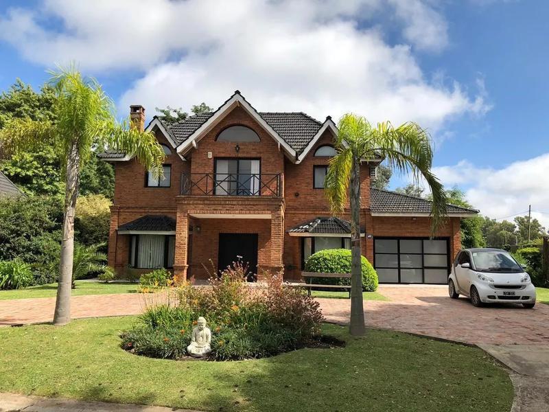Foto Casa en Venta en  Saint Thomas,  Countries/B.Cerrado (E. Echeverría)  Oportunidad,  Casa en St. Thomas  en venta