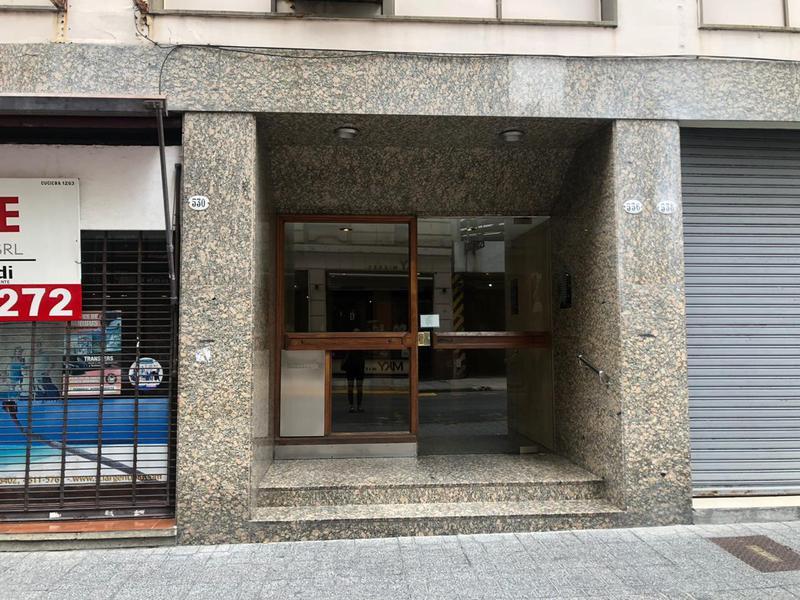 Foto Departamento en Alquiler en  Tribunales,  Centro (Capital Federal)  Montevideo y Lavalle