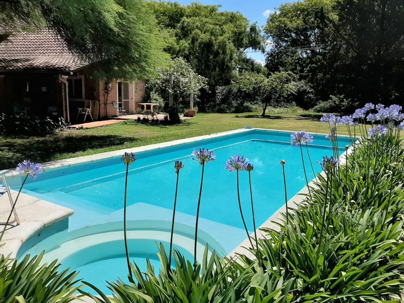 Foto Casa en Venta en  Villa Allende,  Colon  Villa Allende - Barrio el Golf- Casa en VENTA