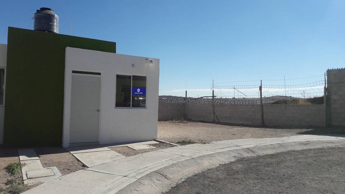 Foto Casa en Venta en  Fraccionamiento Mirador de las Culturas,  Aguascalientes  Casa en Venta con terreno excedente en Miradores