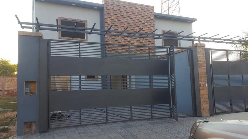 Foto Casa en Venta en  San Lorenzo ,  Central  Barrio Villa del Maestro