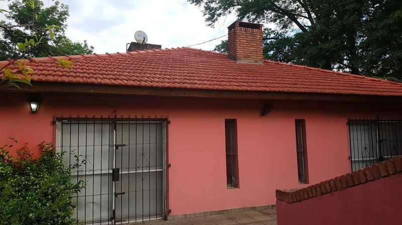 Foto Quinta en Venta en  Trujuy,  Moreno  Casa Quinta oportunidad - Pileta - 2 De Abril al 3200 - Moreno - Lado Norte